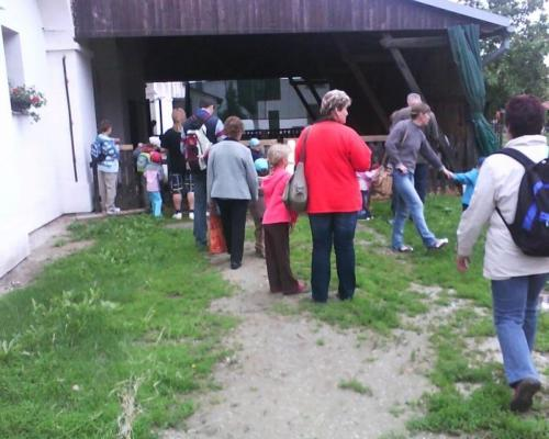 24. 6. 2009 MŠ návštěva na kozí farmě